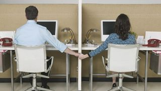 0319_office-husband-wife_390x220